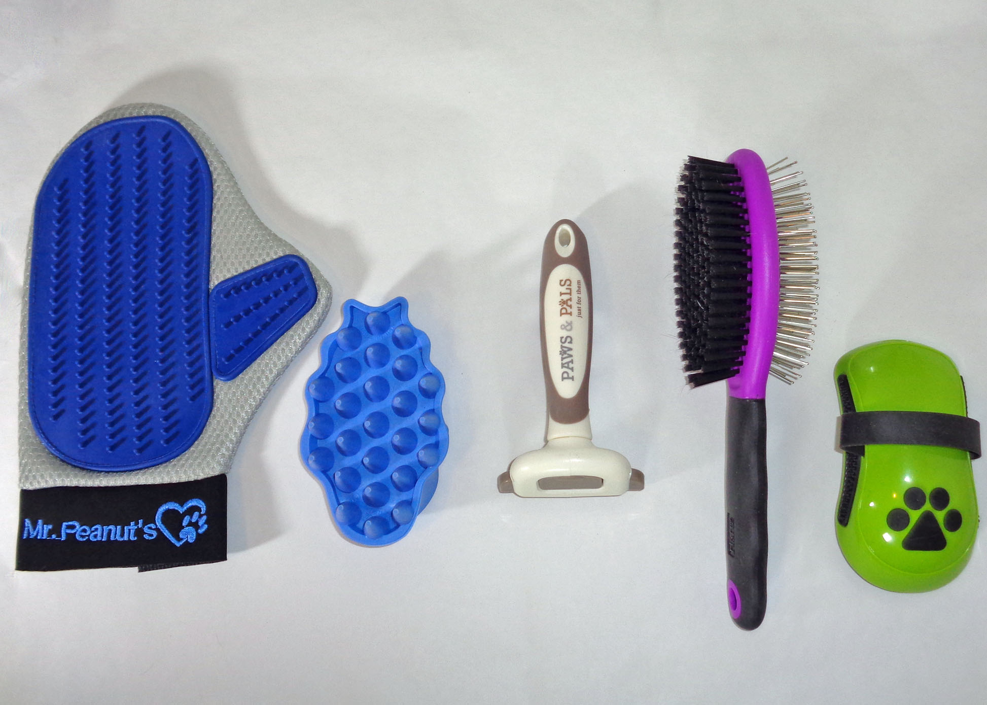 Best Brushes And Deshedding Tools For Short Hair Dogs 2020 Pup Junkies